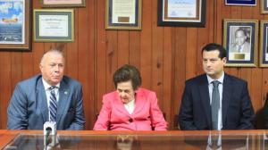 Arturo Pérez Gaviño, Doña Mary Pérez Marranzini y Freddy Barrantes