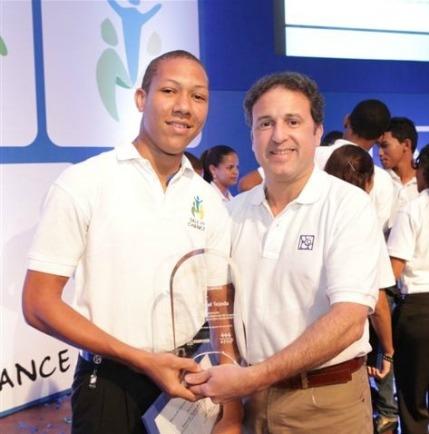Enmanuel Tejeda con Gustavo Ariza