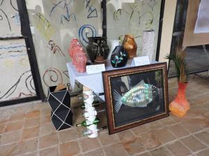 Jarrones, del Hotel Dreams La Romana ganaron el primer lugar, en la categoría Cartón,