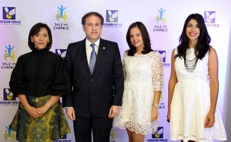 Mildred Minaya, Gustavo Ariza, Diana Jiminian y Michelle Disla