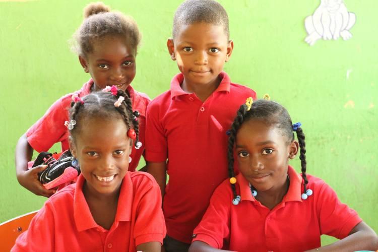 Niños y Niñas del programa de educación inicial comunitariocelebran juntos el fin año escolar