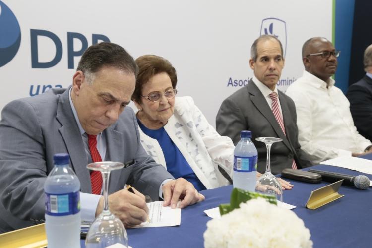 Celso Marranzini, Mary Pérez Marranzini, Edwin De los Santos y Alfredo Martínez
